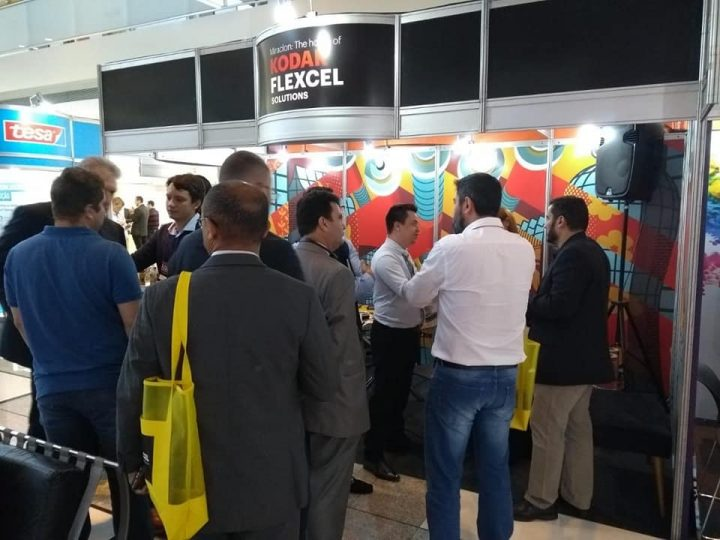 Zanatto ao lado da Miraclon na Flexo Summit 2019